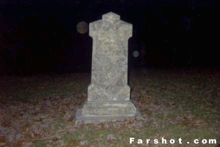 Multicolor Orbs at Lagrange Cemetery!